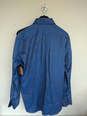 Camisa Solera azul grisáceo estampado, bordado en azul. ETIQUETA DE TIENDA.